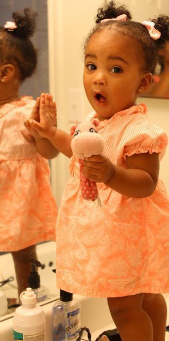 Photo de bébé fille noire
